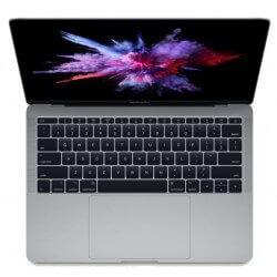 MacBook Pro Apple.13 pouces. Vue de dessus sur le clavier du macbook. Couleur gris sidéral